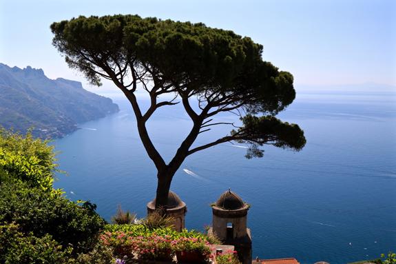 Villa-Rufolo-Gardens-Ravello-Amalfi-Coast-Italy-Delectable-Destinations-Carol-Ketelson